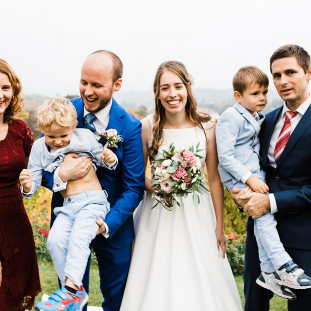 wedding-funny-group-photo
