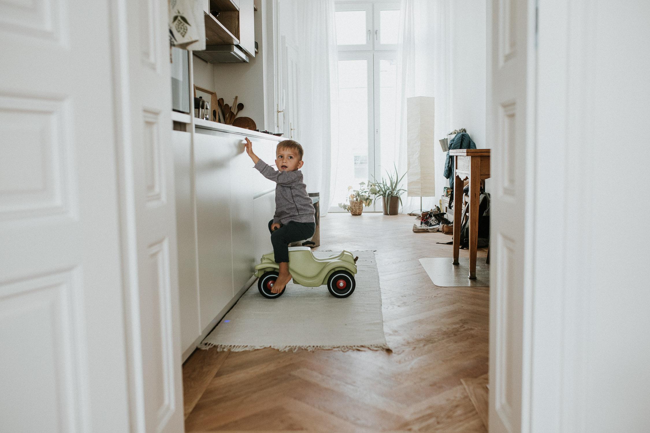 boy-in-the-car