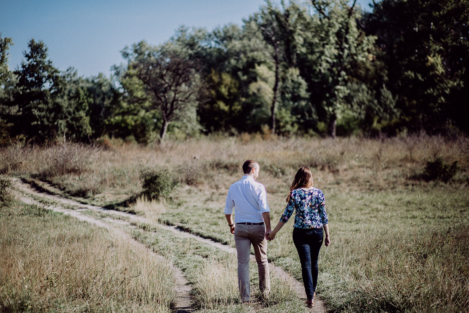 couple-walking-at-lobau-national-park